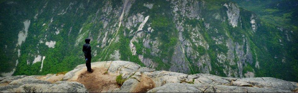 Acropole des draveurs dans le parc des-hautes-gorges de la rivière Malbaie